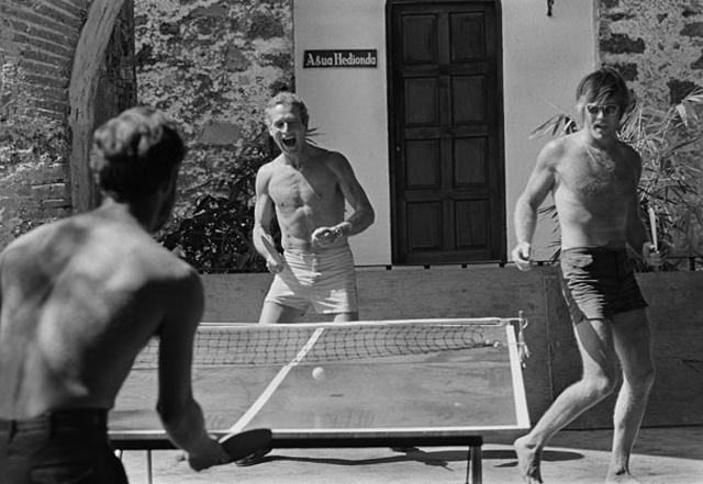 paul-newman-robert-redford-playing-table-tennis